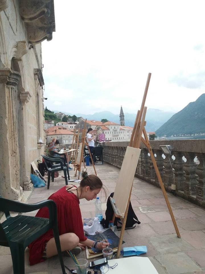 Studenti espongono nel Museo della città di Perasto