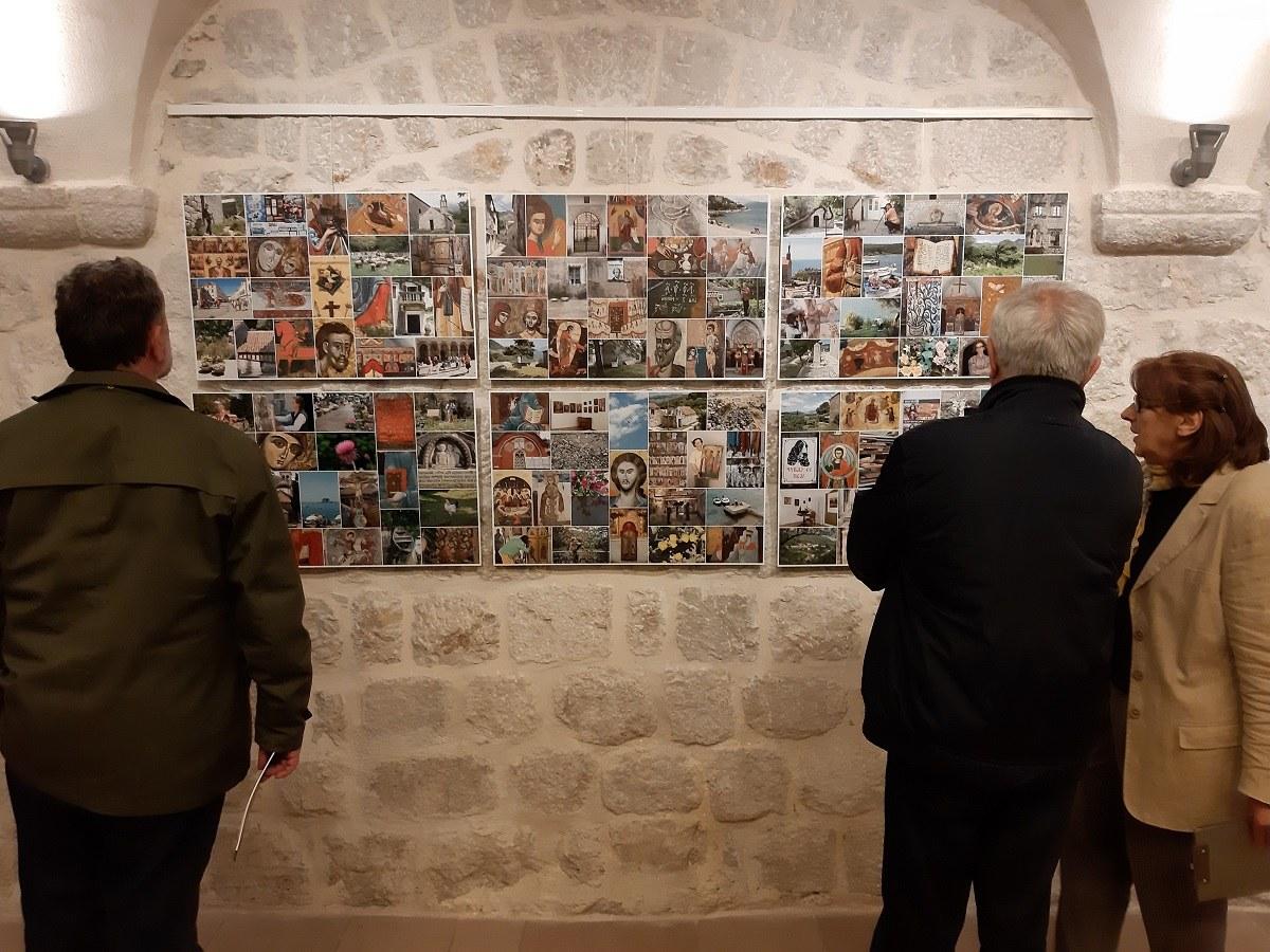 """Izložba """"Dvanaesti"""" autora Aleksandra Rafajlovića otvorena u Galeriji solidarnosti"""